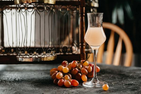 настойка на джине с виноградом (350 р.)