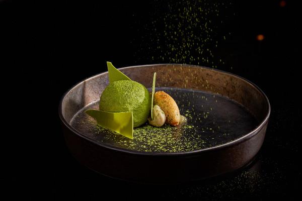 десерт «Матча-Бергамот-Лимон-Юдзу» (460 р.)