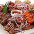 Ресторан Купец - фотография 16 - Обилие мясных яств, приготовленных на мангале: свинина, баранина, люля из баранины, курица, картофель бейби.