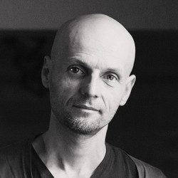«У этой страны нет цели»: интервью с Иваном Вырыпаевым