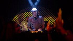 «Present is Perfect»: DJ Stingray, Roman Fluegel, Jane Fitz. Answer Code Request