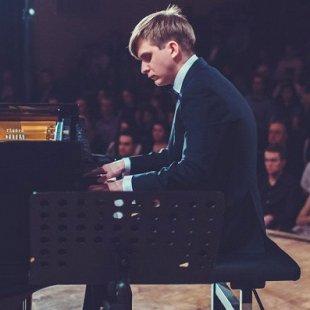 Илья Бешевли (фортепиано)