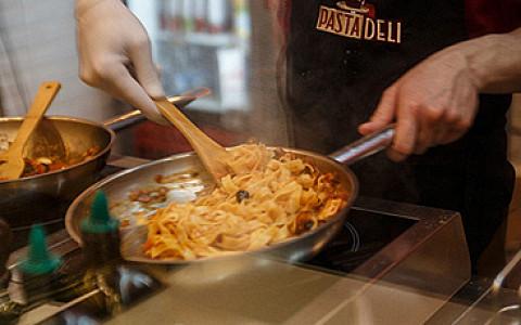 Burger Brothers открыли ларек, Pasta Deli расширяется, «Хариус-хаус» открылся на «Академической»