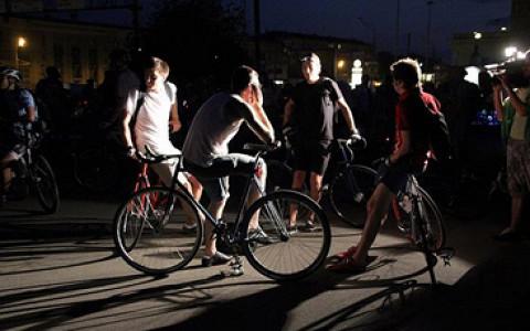 Сергей Никитин о ночных велопрогулках, которые захватили весь мир