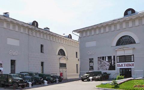 Центр документального кино, фестиваль 1913 года и книжный в Провиантских складах