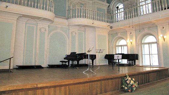 Зоя Вязовская (флейта), Максим Рубцов (флейта), Ирина Стачинская (флейта), Павел Шатский (фортепиано)