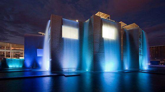 Искусство архитектуры в Испании. Фотографии Рикардо Сантоньи