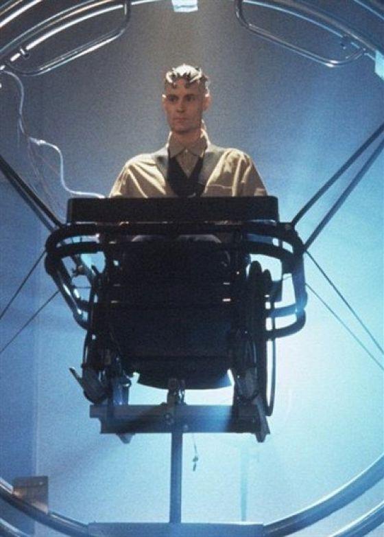 Газонокосильщик-2: За пределами киберпространства (Lawnmower Man 2: Beyond Cyberspace)