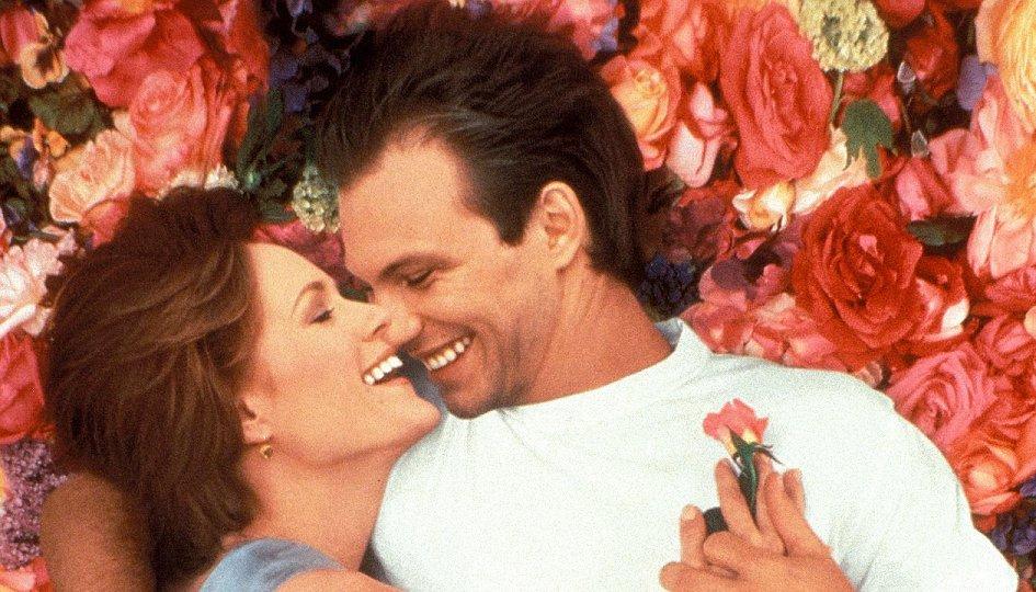 Кино: «Постель из роз»