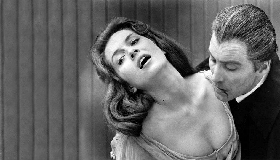 Кино: «Дракула, князь тьмы»