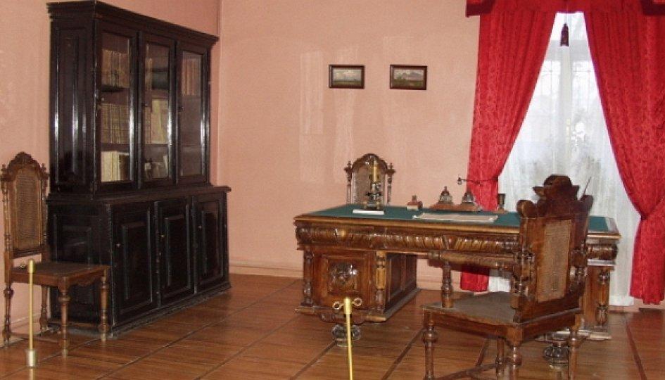 Выставки: Экспозиция мемориального дома-музея Славянова