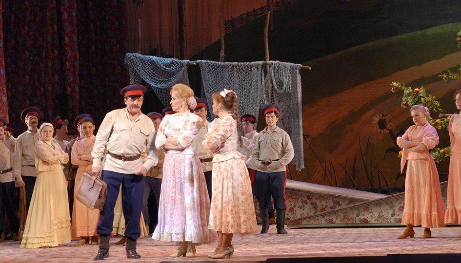 Театр: Бабий бунт