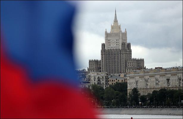 ВМИДРФобъяснили отъезд нескольких российских дипломатов изЛондона