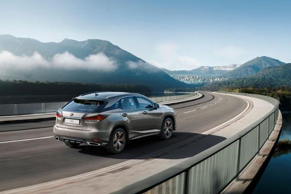 «Чёрный» Lexus RX подорожал к старту продаж