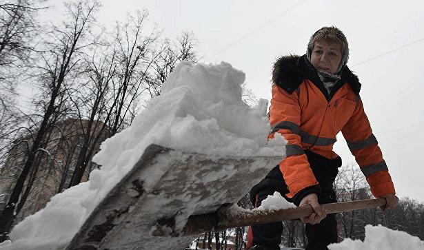 ВПодмосковье 5тысяч коммунальщиков вышли науборку снега