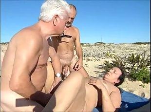 Amature glory holes videos