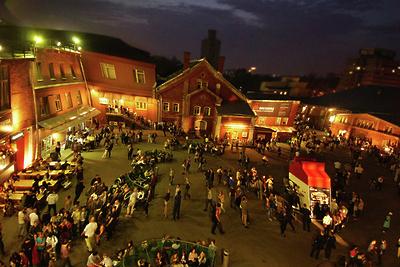 Биеннале «Атмоссфера» откроется на«Винзаводе» вМоскве впятницу