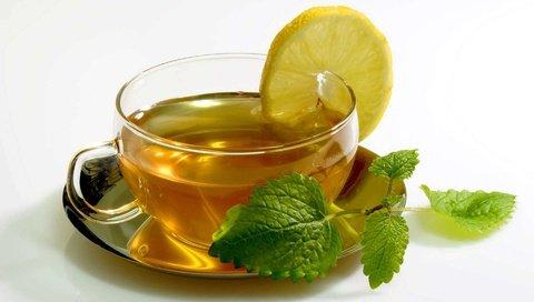 Холодный зеленый чай с лимоном для похудения