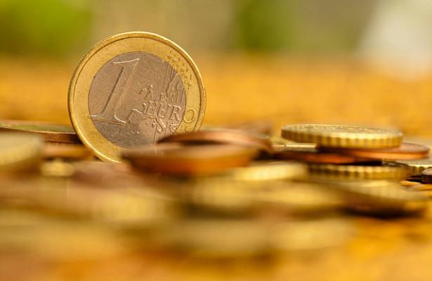 Стало известно, сколько будут стоить евро идоллар в2021 году