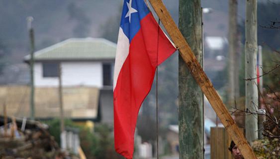 В нескольких провинциях Чили из-за сильных лесных пожаров введен режим ЧС