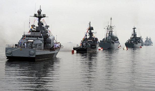 ВоВладивостоке вДень ВМФпоказали высадку морского десанта иБТР-82А