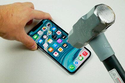 Современные смартфоны слишком хрупкие. Когда ученые изобретут неубиваемые девайсы?