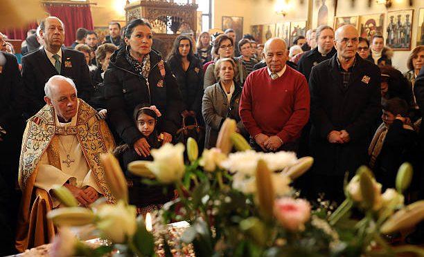 Почему православные греки неносят крестик