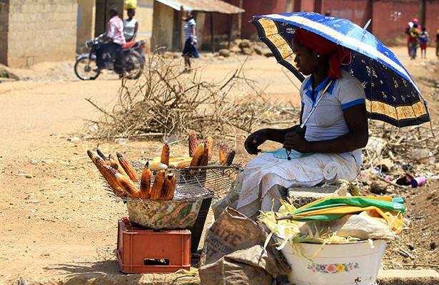 Нигерия впервые зачетверть века оказалась награни кризиса