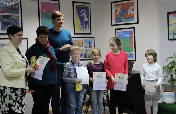 Вешняковцы подарят мамам ипапам рисунки