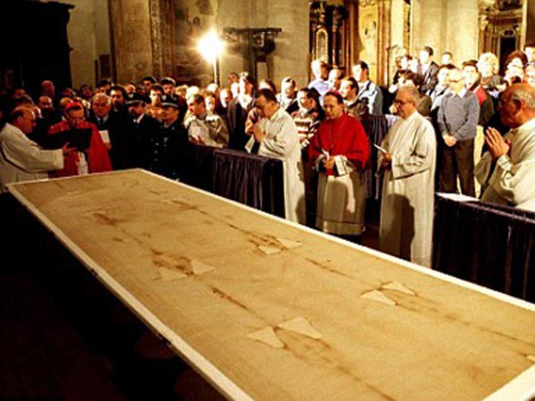 Carbon dating jesus cloth