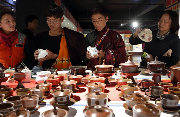 Рынок изящных изделий впровинции Сычуань