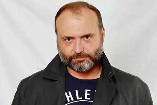 Актера Марка Горонока выписали изреанимации