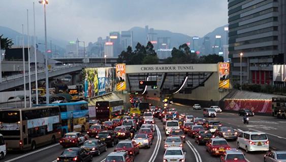 В Гонконге перевернулся двухэтажный автобус, один человек погиб