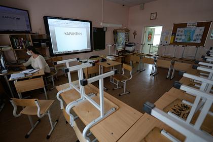 Тысячи российских школ подключили кинтернету