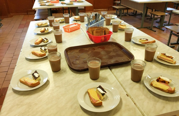 ВРоссии проверят детский сад, гдевоспитатель насильно кормил ребенка