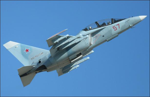 Прыгает выше головы: NIвысоко оценил самолет Як-130