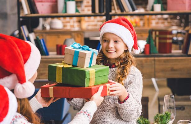 Через какие подарки легче всего передается коронавирус
