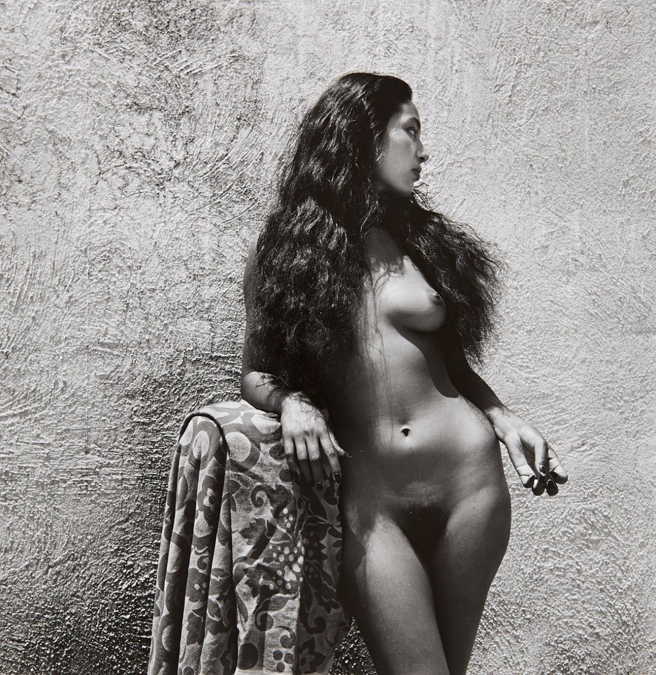 героиня обнаженные старые черно белые фотографии заводит то, что