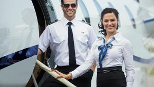 Прикрыть колени: стюардесса частного самолета— острогих табу