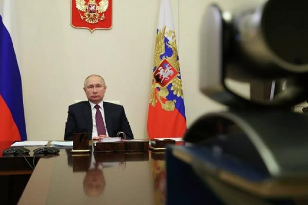Путин «погонял» поцифрам главу Минстроя