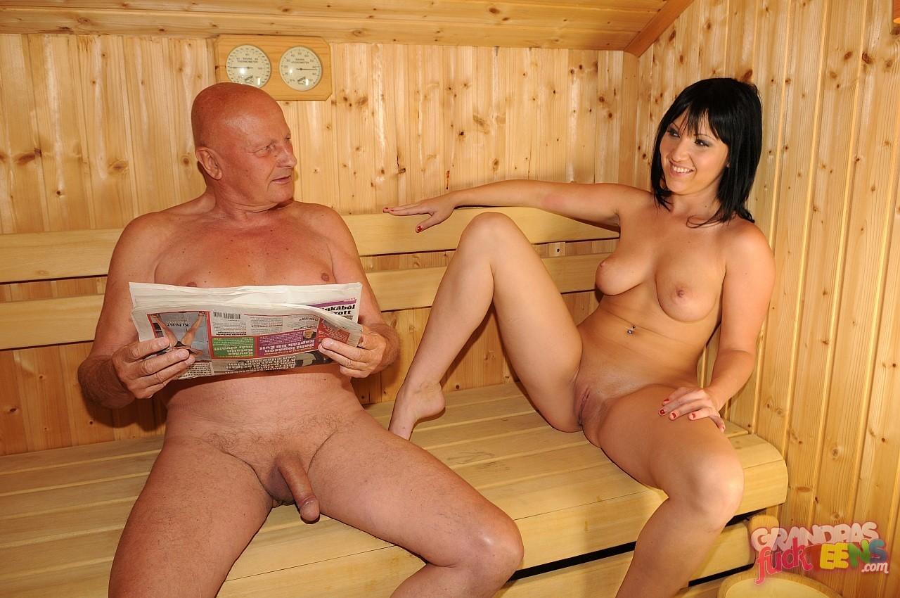 porno-s-tetkoy-v-saune-na-pope-porno-video