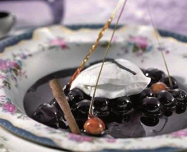 Рецепт Вишневое мороженое сликером «Амаретто»