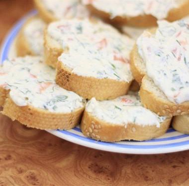 Рецепт Горячие бутерброды створогом, соевым соусом иукропом