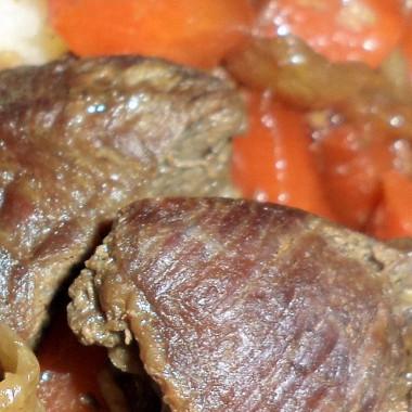 Рецепт Тушеная говядина совощами всоевом соусе