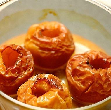 Рецепт Печеные яблоки скорицей вбелом вине