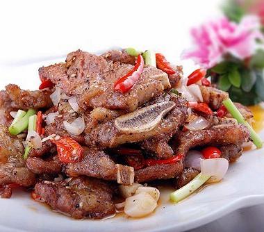 Рецепт Итальянский салат смаринованной говядиной, красным луком ипармезаном