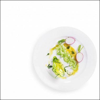 Рецепт Салат измолодых овощей свинегретом изфлердоранжа
