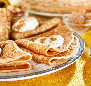 Рецепт Тонкие блинчики изкаштановой муки срикоттой имедом