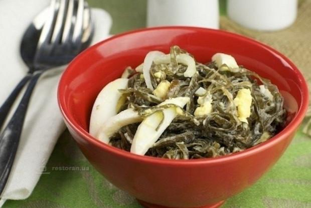 рецепт салат из морской капусты в сырном соусе