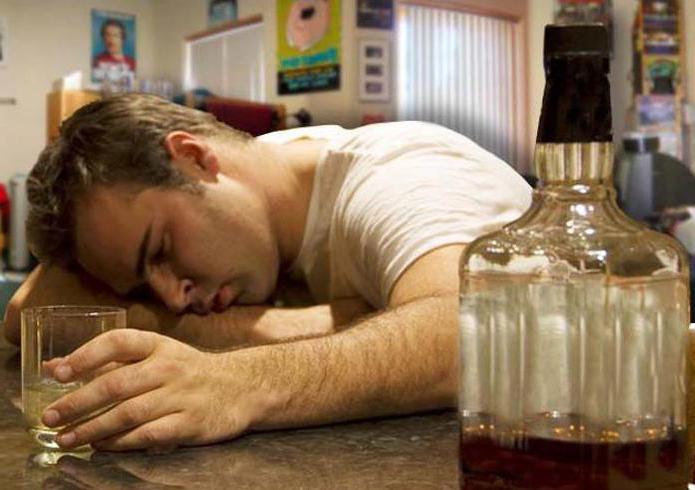 Как в домашних условиях вывести из запоя алкоголика